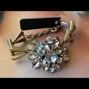 ❤️NWT JCrew Floral Crystal Goldtone bracelet